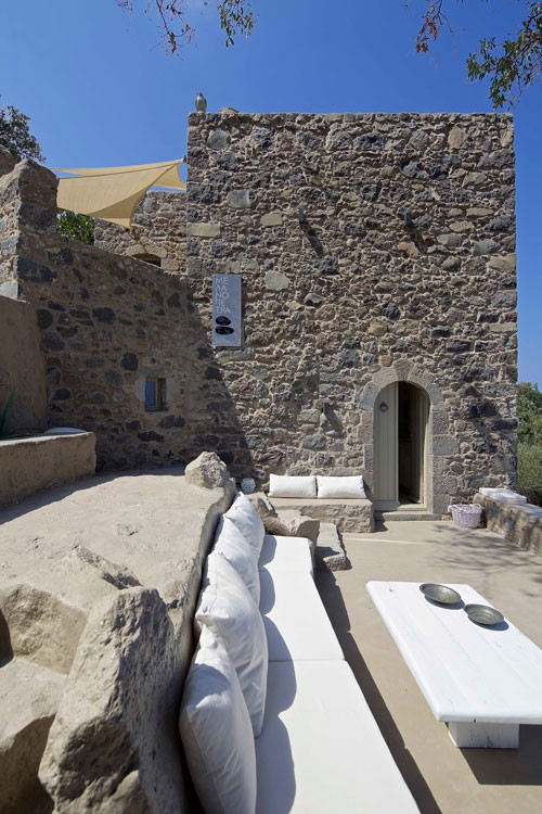 restoration-traditional-residence-nisyros-adarchitects-500x750